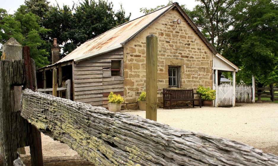 GLEDSWOOD HOMESTEAD HISTORY TOUR & LUNCH